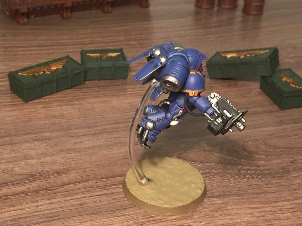 Space Marine Inceptor Sergeant painted figure photo 02